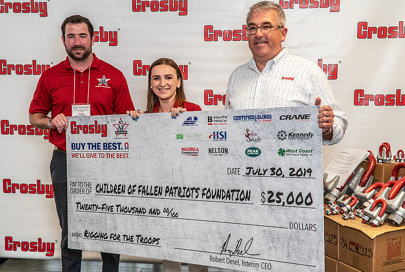 Crosby presents check to Fallen Patriots